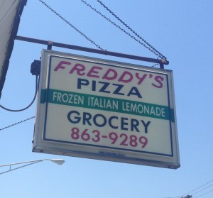 exterior sign freddy's pizza on cicero